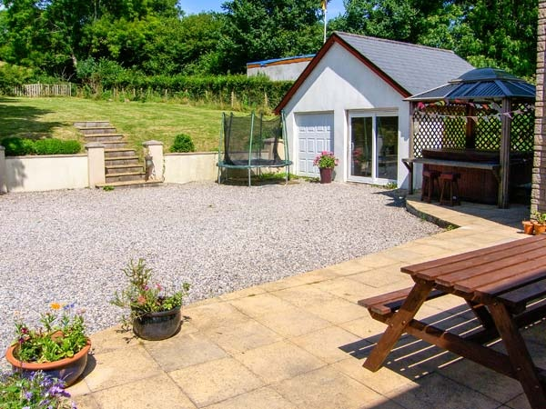 Rear Parking, Patio, Games Room And Hot Tub!
